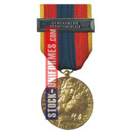 Médaille ordonnance Défense Nationale Or agrafe Gendarmerie Départementale
