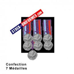 Montage 7 Médailles ordonnance cousues sur drap noir