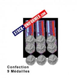 Montage 9 Médailles ordonnance cousues sur drap noir