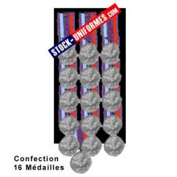 Montage 16 Médailles ordonnance cousues sur drap noir